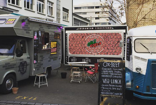 Impression Foodtrucks vor dem Exil Club