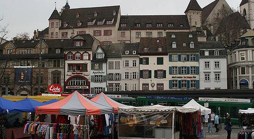 Basel Markt Barfüsserplatz